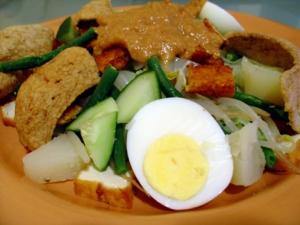 3 Resep Masakan Murah Meriah : Gado-Gado Sederhana, Telur Balado Pedas dan Bakwan Jagung Renyah
